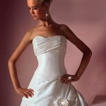 فستان زفاف Size:55.90 Kb Dim: 450 x 669
