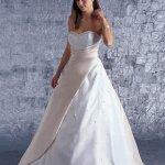 فستان زفاف رقم 105