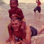 طفولة الرئيس باراك اوباما 10