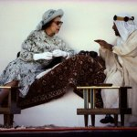 الملكة اليزبث والامير عيس