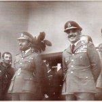 صور لجلالة السلطان بالزي العس1