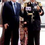 الرئيس معمر القدافي وتشكيلة م2