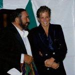 Princess Diana Smiling wi Size:44.60 Kb Dim: 640 x 427