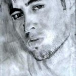 Enrique Iglesias Size:23.7 Kb Dim: 303 x 450
