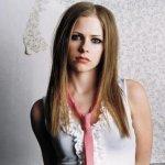 Avril Lavign Size:19.60 Kb Dim: 400 x 322