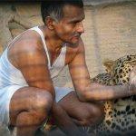 بحريني يربي حيوانات في بيته10