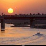نهر دجله وقت الغروب