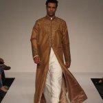 ثوب خليجي مطور4 Size:24.80 Kb Dim: 400 x 600