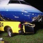 حادث طائره غريب بعض الشيء 3 Size:56.20 Kb Dim: 500 x 375