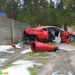 سيارة الفراري بعد الحادث4 Size:70.60 Kb Dim: 500 x 391