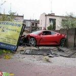 سيارة الفراري بعد الحادث10 Size:71.60 Kb Dim: 500 x 474
