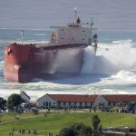حوادث السفن العملاقة1 Size:55.30 Kb Dim: 519 x 600
