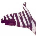 فن الرسم على اليد Size:68.00 Kb Dim: 576 x 541