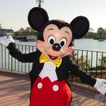 Mickey Mouse background 14 Size:254.00 Kb Dim: 1280 x 960
