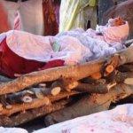 صور احراق الميت فى الهند 2