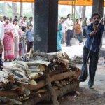 صور احراق الميت فى الهند 5