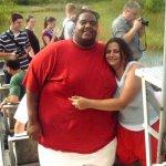 ليثبت حبه لصديقته نزل من وزنه1
