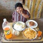 فتاه هنديه تأكل ولا تشبع 2