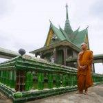 معبد الزجاجات في تايلاند2
