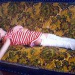 طفلة مصرية من زجاج ، عظامها ت1