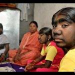 الشعر يحول ثلاث هنديات الى ذئ2