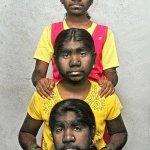 الشعر يحول ثلاث هنديات الى ذئ4