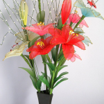 زهور مصنوعة من الجوارب الشفاف2