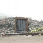 في اليمن أغرب باب بيت في العا3 Size:46.50 Kb Dim: 665 x 450