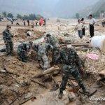آثار الفيضانات والانزلاقات ال10