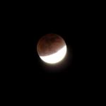 صور سريعه لــ خسوف القمر 9