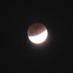 صور سريعه لــ خسوف القمر 11