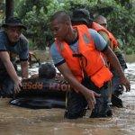 إعصار ووشي في الفلبين يحصد أك12