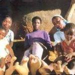 قبيله في أفريقيا يملكون أقدام1