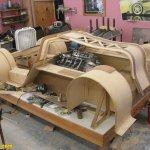 سياره مصنوعه من الخشب12