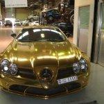 صور لسيارة صنعت من الذهب1