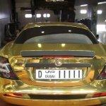 صور لسيارة صنعت من الذهب2