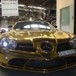 صور لسيارة صنعت من الذهب4