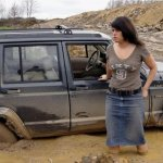 المرأة و السيارة