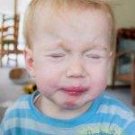 الاطفال وهم ياكلون الليمون ام4