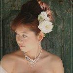 تسريحات العروس مع الورد 12