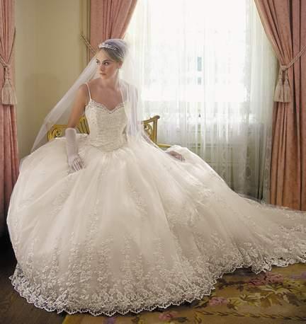 اكبر كتالوج فستاين الزفاف رائع