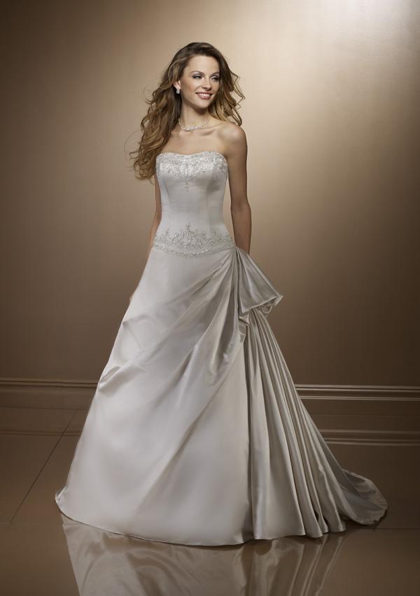ألبوم صور شامل لفساتين الزفافألبوم شامل لفساتين الأفراح لأجمل العرايسفساتين