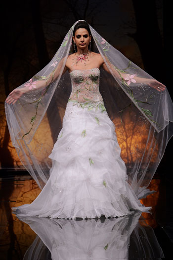 صور  احي فستيان الزفاف والانقة لي احلي عروس 116_101055_1197140323