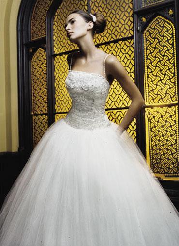 احدث فساتين الزفاف 116_149_1063245708.j