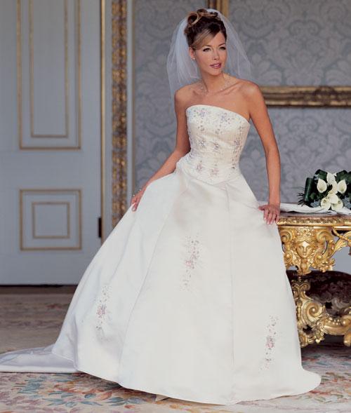 احدث فساتين الزفاف 116_149_1063252358.j