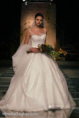 للعروسفساتين ولا أحلى لكل عروسلأحلى عروس أحلى فساتينDemetrio s 2013-14