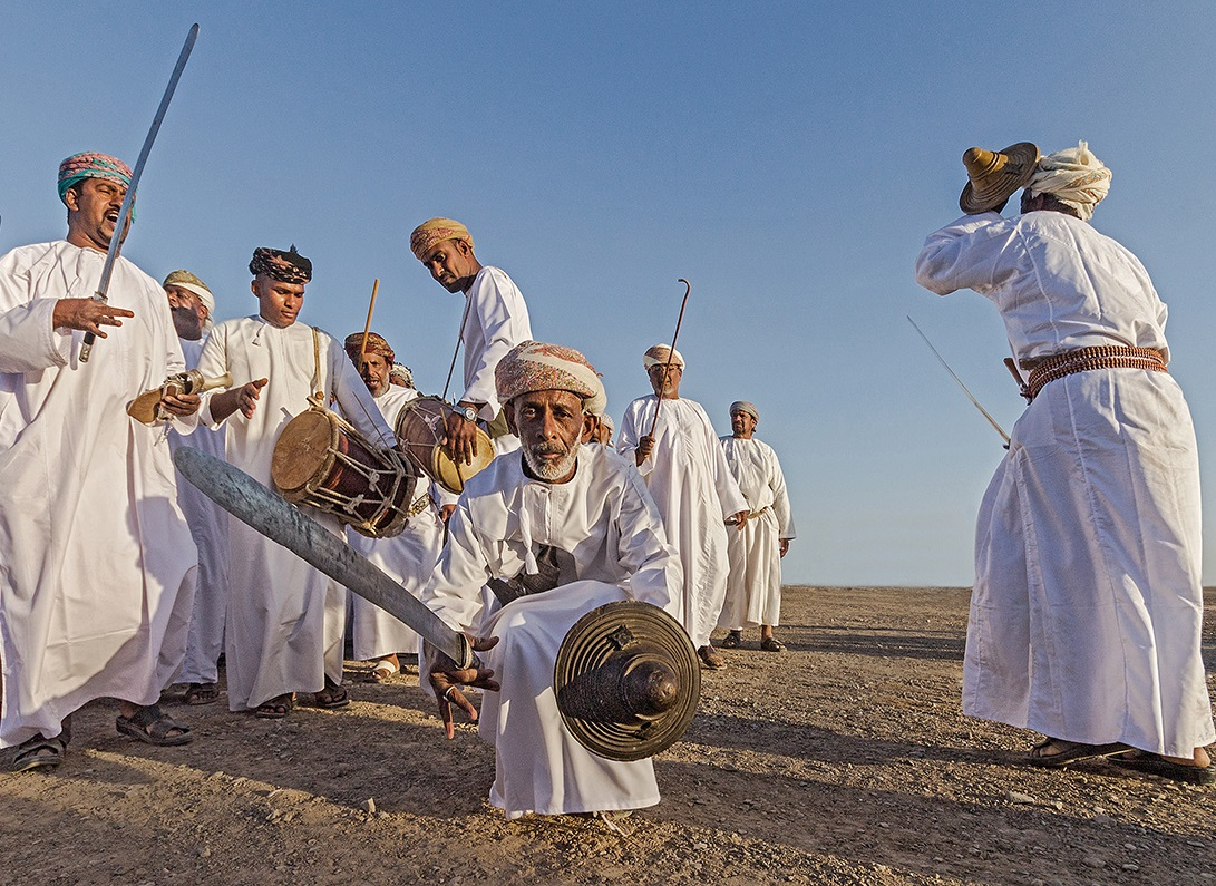 الفنون الشعبية العمانية Size:418.80 Kb Dim: 1091 x 795