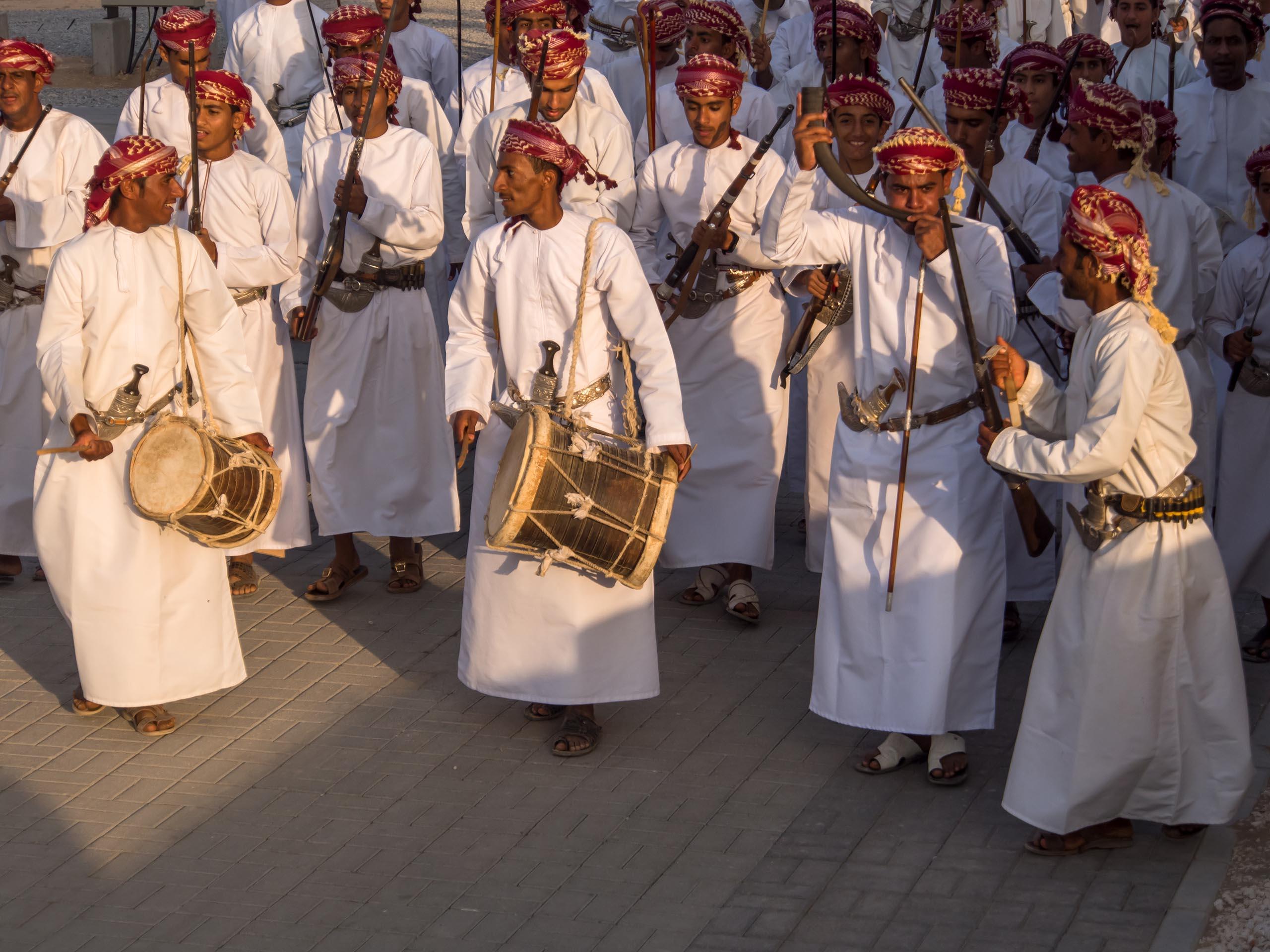 الفنون الشعبية العمانية Size:468.00 Kb Dim: 2560 x 1920