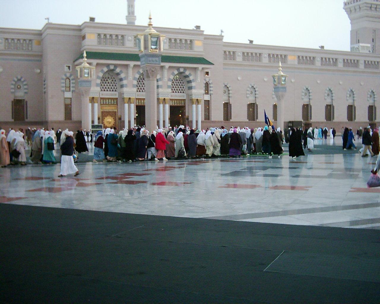 مسجد الرسول عليه افضل الصلاة والسلام 13_68071_1142012524