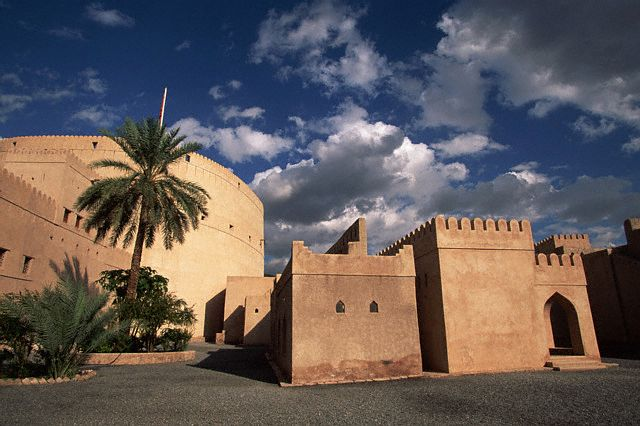 عمان...؟؟؟ 132_3431_1065561437.